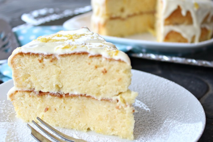 lemon drizzle silk cake with cream cheese icing | berrysweetlife.com