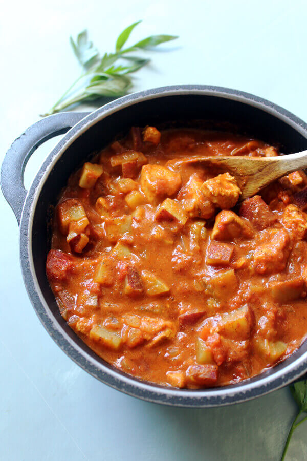 The Best Super Quick Chicken Curry With Sweet Potatoes, a wonderfully aromatic, flavourful, simple Indian curry made in one pot in 35 minutes   berrysweetlife.com