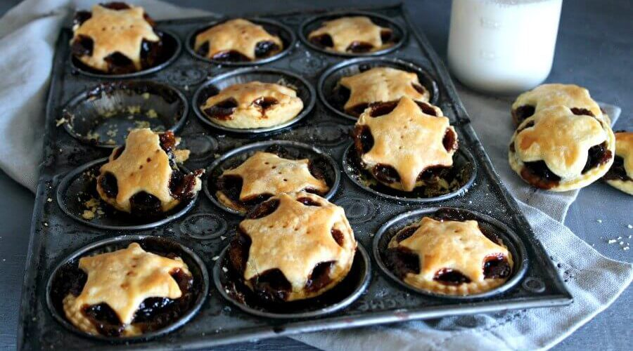 Christmas Fruit Mince Pies With Light Pastry