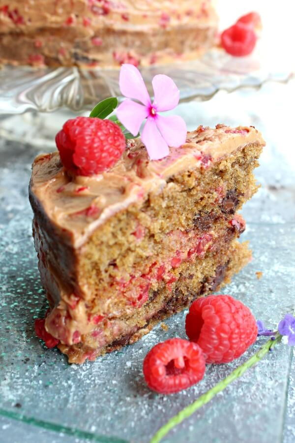 Chocolate Chip Raspberry Coffee Cake. A DELICIOUS and indulgent cake perfect for special occasions. It's easy to make and only takes 25 minutes to cook! | berrysweetlife.com