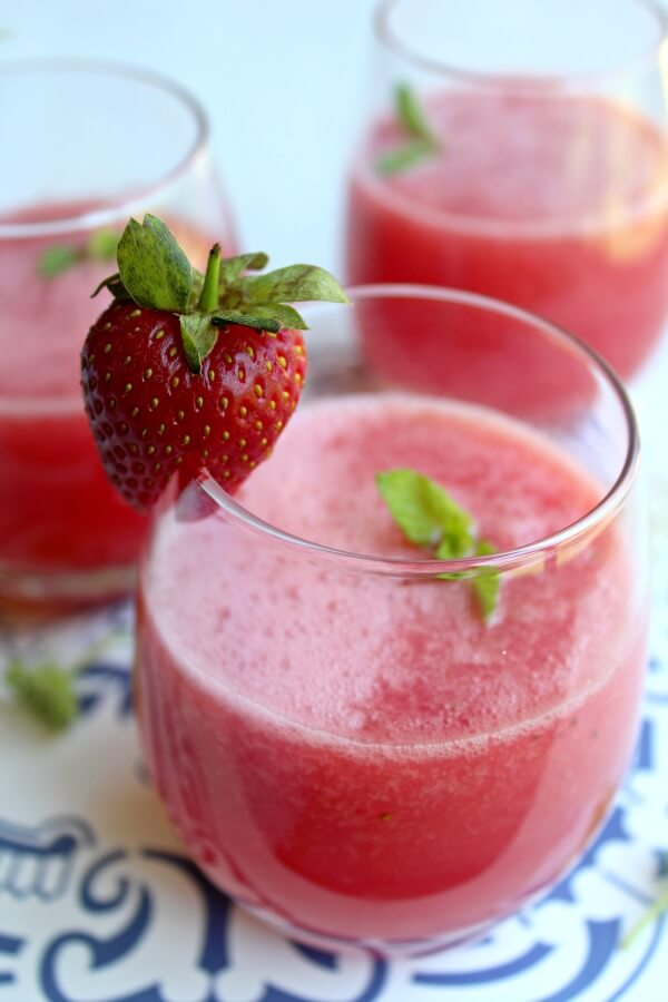 Sparkling Watermelon Strawberry Mint Lemonade. A healthy, fun & pretty drink perfect for summer get togethers. A beautiful welcome drink! | berrysweetlife.com