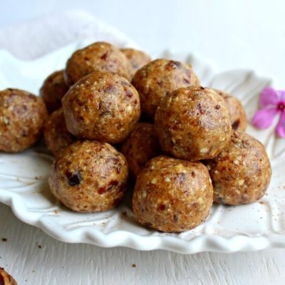Cashew Pear Energy Protein Balls