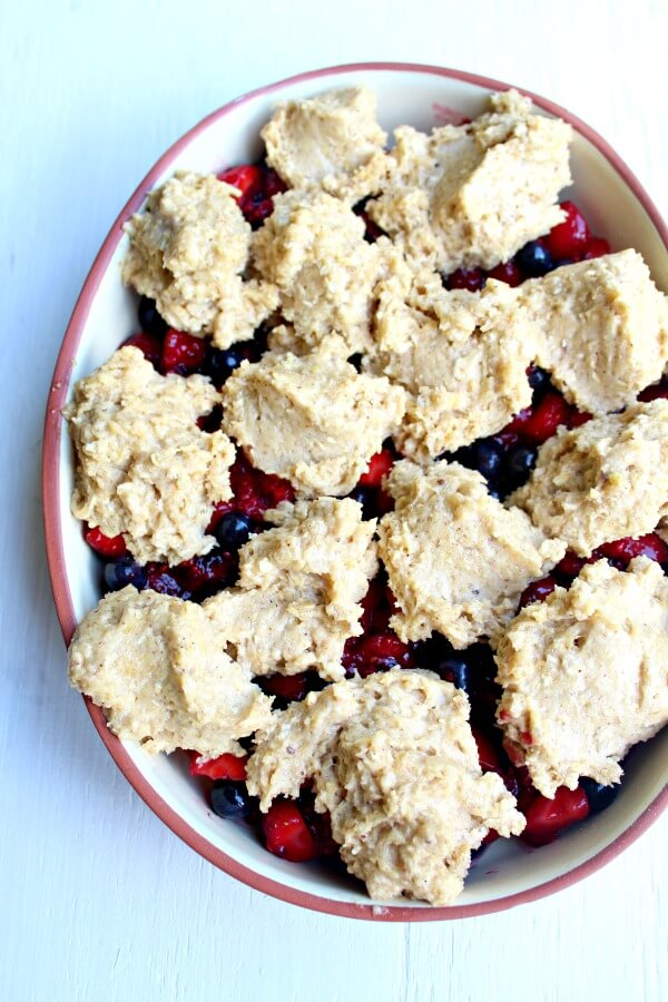 Rustic Bumble Berry Crumble Crisp. Three berry crumble with oats & cinnamon. A humble, rustic & delicious pudding full of colour & amazing flavour! | berrysweetlife.com