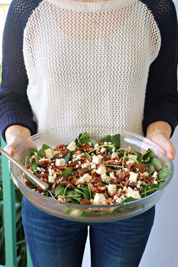 Balsamic Mushroom Bacon Spinach Salad. A truly yummy combo, perfect for all seasons and all occasions. This is a versatile salad that looks just as good as it tastes! | berrysweetlife.com