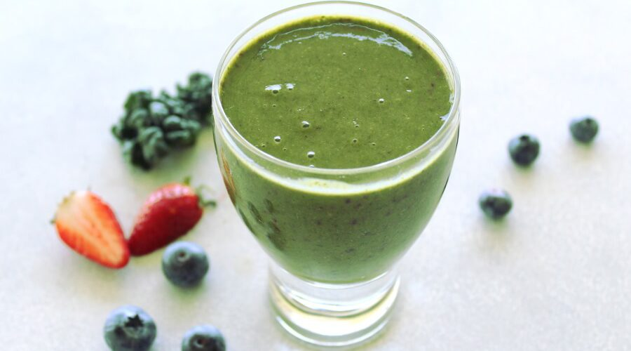Berry Good Kale Green Smoothie