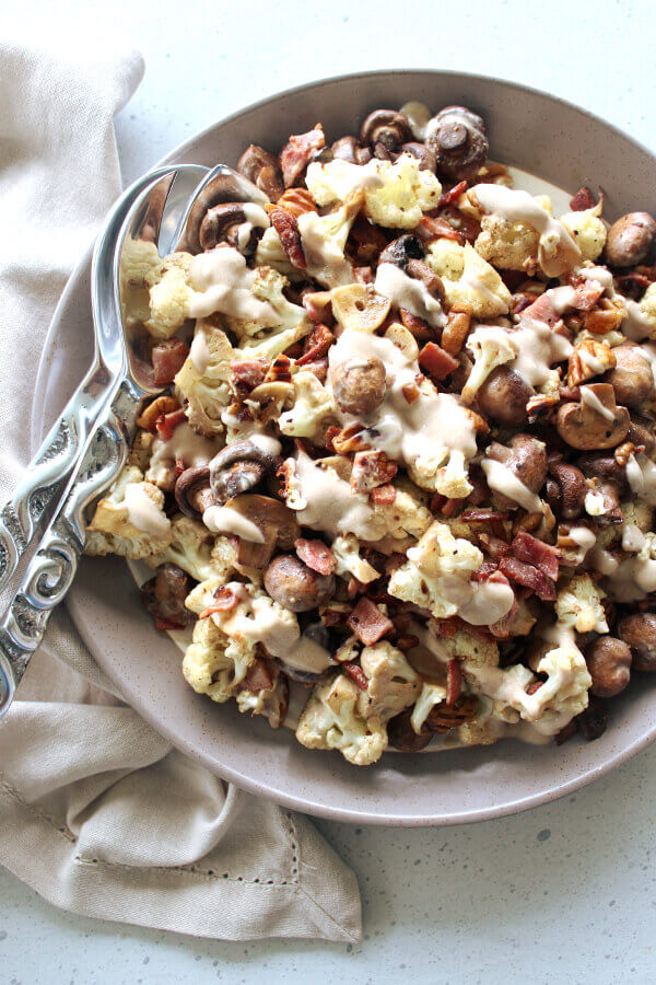 Low carb, easy to make, tasty Roasted Mushroom Cauliflower Bacon Salad with pecans and creamy yoghurt balsamic garlic dressing, seriously YUM! | berrysweetlife.com