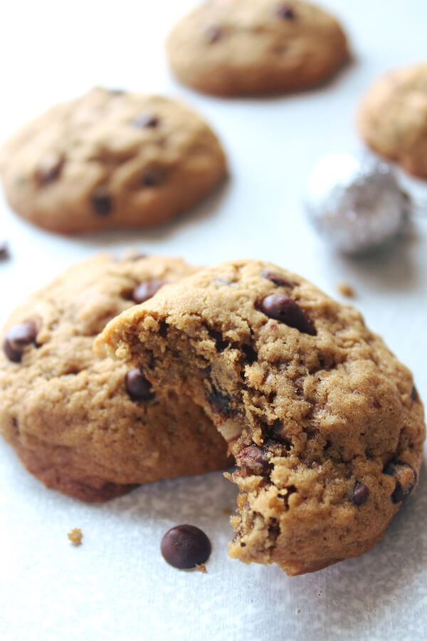 Soft in the middle, chunky, buttery, The Best Coffee Chocolate Chip Pecan Cookies studded with dark chocolate chips and chopped pecan nuts. These are dangerously good! | berrysweetlife.com