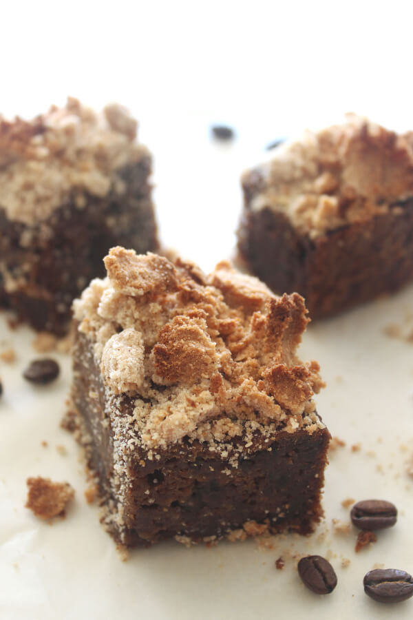 HEAVENLY coffee cake made with healthy fats, naturally sweetened and dairy free! Gluten Free Coffee Cake With Streusel Topping is moist and easy to make | berrysweetlife.com