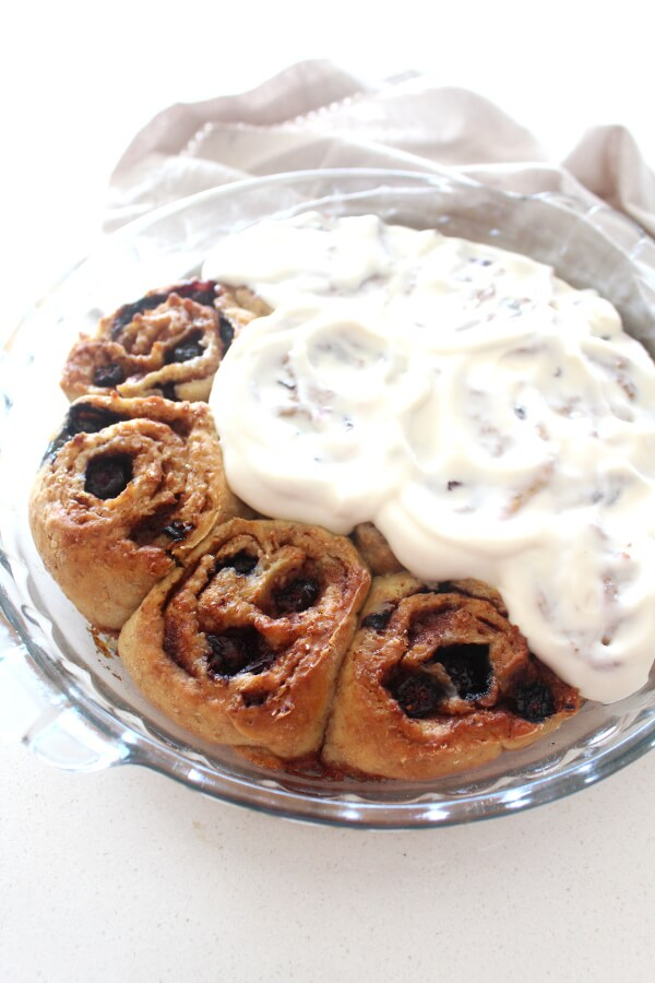 Made with staple ingredients, easy to throw together and REALLY YUM, these healthy Sugar Free Blueberry Cinnamon Buns are the absolute best! | berrysweetlife.com