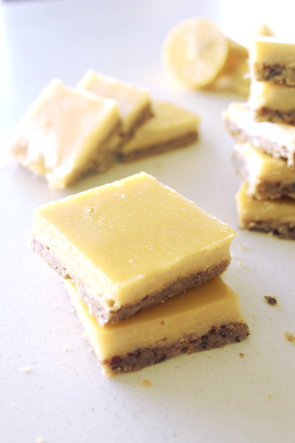 Gluten Free Lemon Bars With Crunchy Crust | berrysweetlife.com