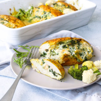 Spinach Stuffed Chicken Breasts With Broccoli | berrysweetlife.com